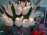 Blumen mit Glaslampe